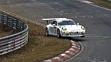 A Porsche 991 GT3 has a close call at the VLN pre-season test