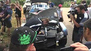 Rally Poland 2015 - Jari-Matti Latvala works on his car