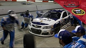 Harvick frustrated after costly pit stop