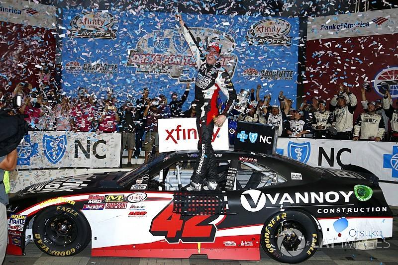 Alex Bowman logra en Charlotte su primera victoria en Xfinity
