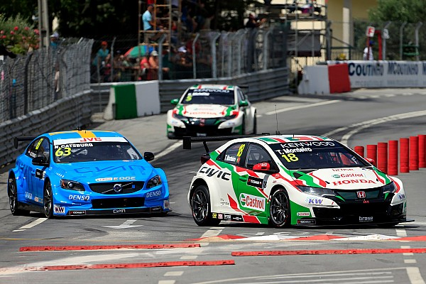 Joker lap receives critical acclaim from WTCC drivers