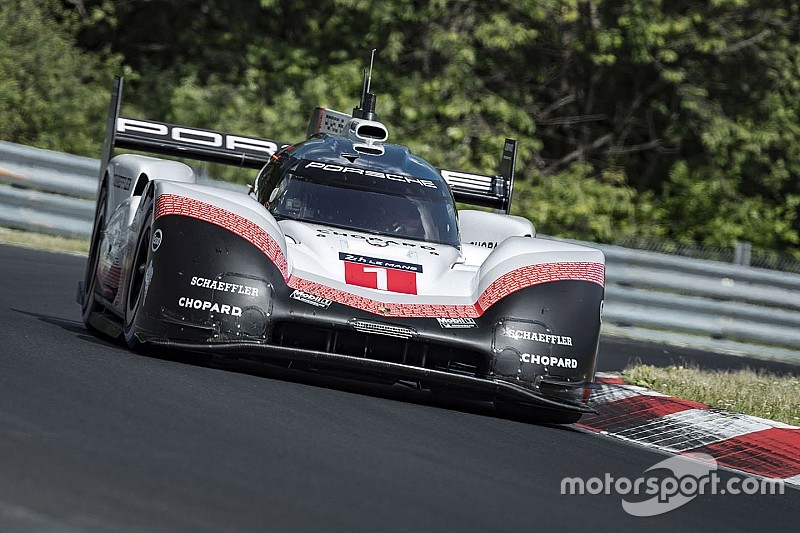 porsche obliterates nordschleife record with 919 evo. Black Bedroom Furniture Sets. Home Design Ideas
