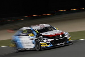 WTCC Rennbericht WTCC Katar: Tom Chilton siegt nach hartem Team-Kampf