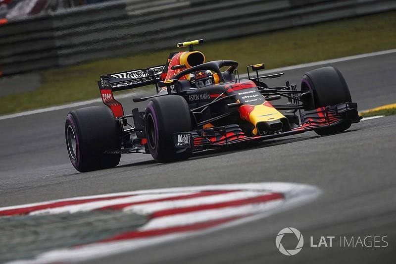 Verstappen, Vettel'e çarptı, ceza aldı!