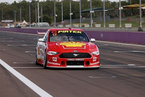 Darwin Supercars: McLaughlin storms to Saturday pole