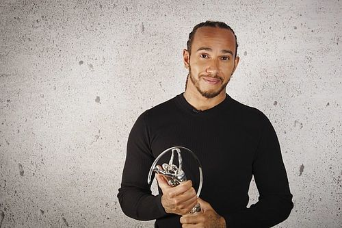 Hamilton Rebut Laureus World Sports Awards