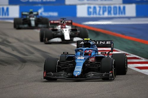 Ocon fue por una configuración diferente a Alonso y no le resultó
