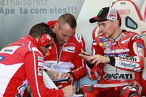"MotoGP Entrevista Gabarrini sobre Lorenzo: ""Otro año como este sería inaceptable"""