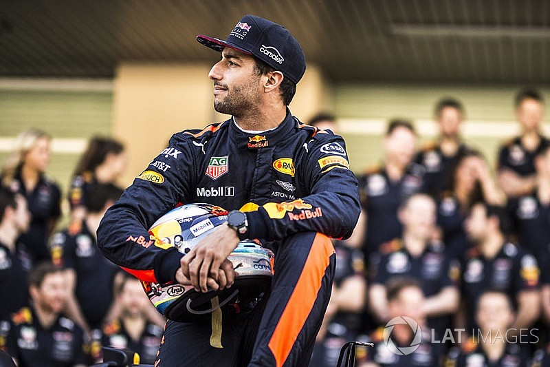 """Ricciardo admits """"a lot at stake"""" in next F1 contract decision"""