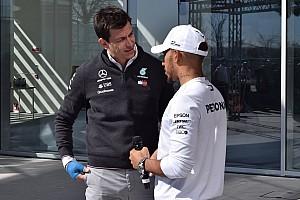 Formel 1 News Toto Wolff: So baute er Lewis Hamilton nach 2016 wieder auf