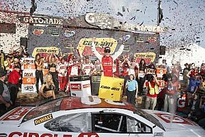 NASCAR Cup Relato da corrida Kenseth vence em Phoenix e classifca Keselowski