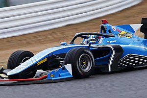 Привычка беречь шины Pirelli помешала Маркелову адаптироваться к Суперформуле