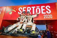Sertões consagra campeões inéditos nos carros, motos e UTVs