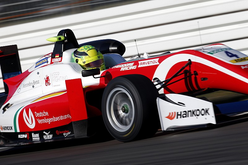 Filho de Schumacher é campeão da F3 europeia