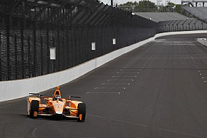 """IndyCar Breaking news Alonso on cornering at 227mph: """"The right foot has its own brain!"""""""