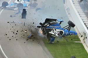 IndyCar Special feature Video: De angstaanjagende crash van Dixon in de Indy 500 2017