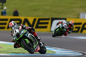 World Superbike Crónica de Carrera Rea rompe la hegemonía de Sykes en Donington