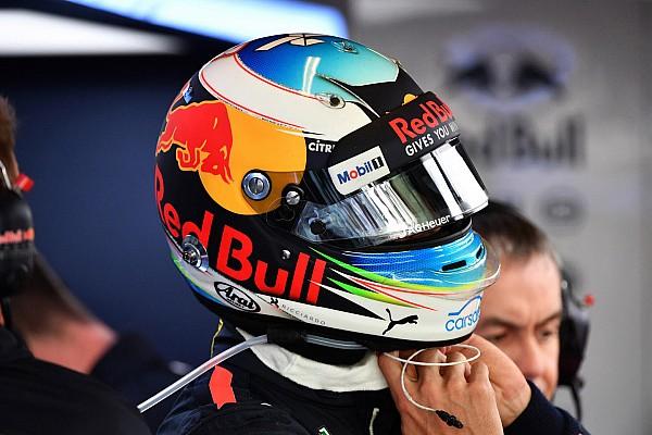 Ricciardo ajándéka a születésnapos Buttonnak
