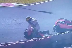 Vídeo: una pelea sobre el asfalto pone fin a las 500 millas de karting en Brasil