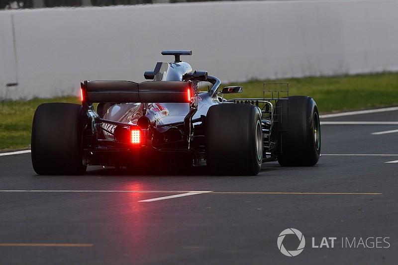 Mercedes uji lampu belakang baru untuk FIA