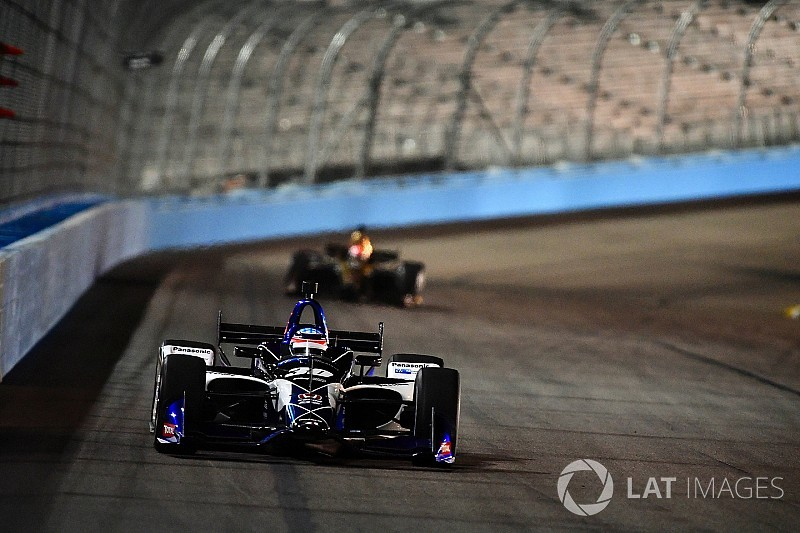 Takuma Sato e Will Power ancora al top nei test di Phoenix