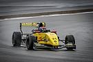 Formule Renault MP Motorsport-coureur Lundgaard snelste op eerste testdag Nürburgring