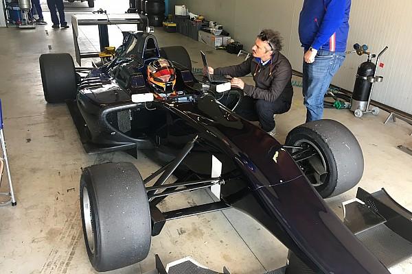 Exclusivo: Kubica vuelve a conducir un monoplaza seis años después