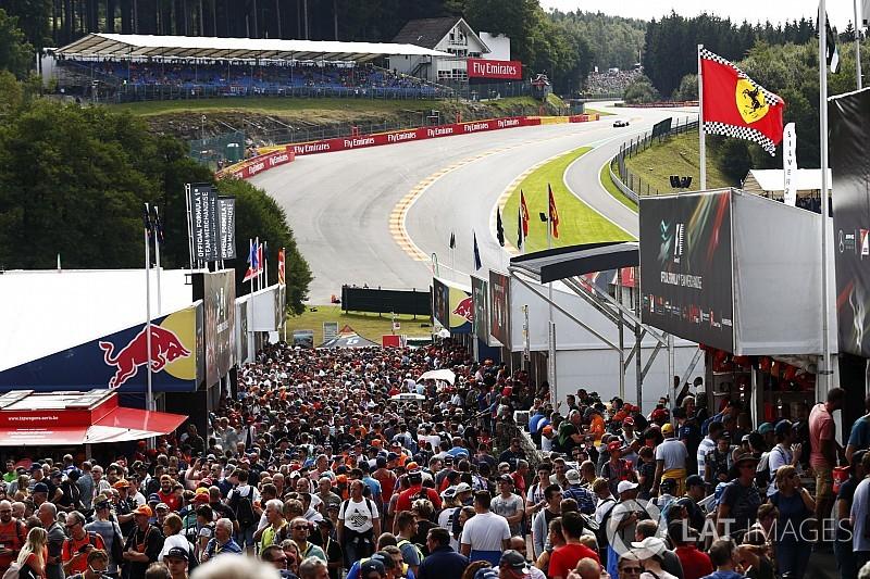 Leírhatatlanul nagy holland tömeg indult meg Verstappen miatt