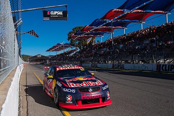 Clipsal 500 Supercars: Van Gisbergen hafta sonunu domine etti