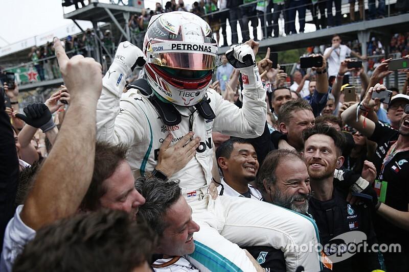 """Hamilton """"não ficou surpreso"""" com toque de Ocon e Verstappen"""