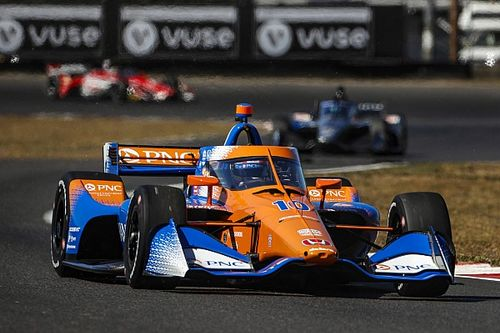 Хаос на старте не помешал Палоу выиграть гонку IndyCar