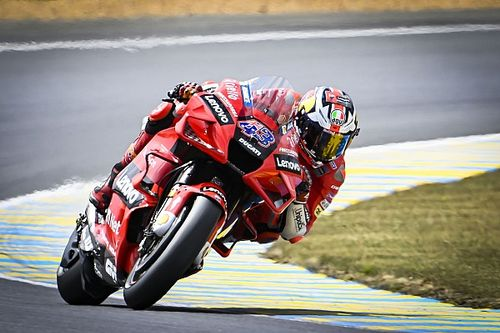 "MotoGPフランス決勝:ミラー、晴から雨の""乗り換え""戦を制し2連勝。中上貴晶は表彰台圏内走行も7位"