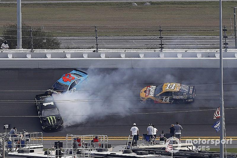Daytona 500: Kyle Busch wins Stage 1, brother Kurt wrecks
