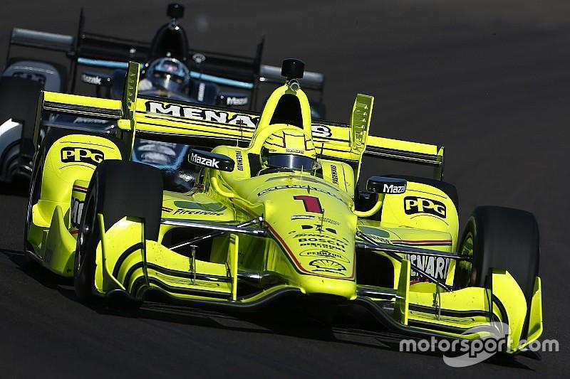 Пажено выиграл на овале в Финиксе, Алешин попал в аварию