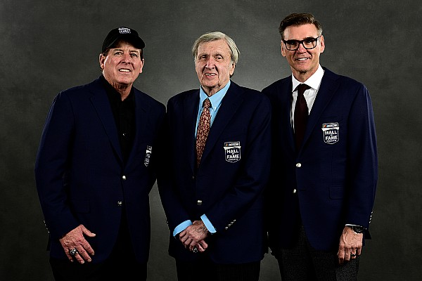 Emotional night at the NASCAR Hall as five legends are inducted