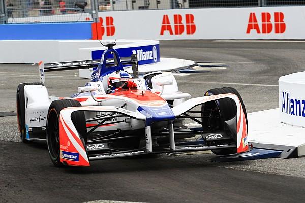 Formel E Reaktion Mahindra: Randstein war schuld an Rosenqvist-Aus