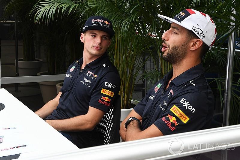 Video: Ricciardo ve Verstappen'in NASA ziyareti