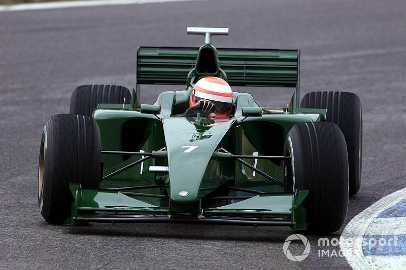 C'était un 10 janvier : Jaguar F1 boucle sa première publique