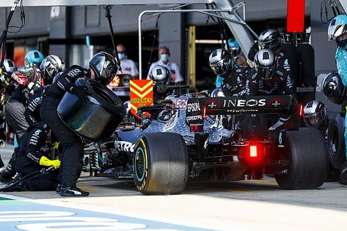 "Hamilton says new pressures making tyres like ""balloons"""