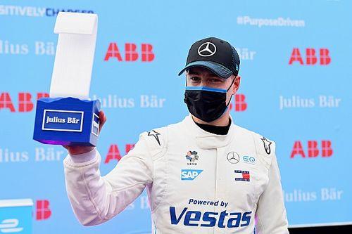 Błąd Rowlanda, pole position dla Vandoorne'a