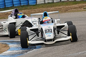 Formula 4 Crónica de Carrera Doble victoria y liderazgo para Garese en la F4 Sudamericana