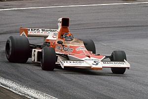 Világbajnok a négyzeten: Mika Häkkinen Fittipaldi és Hunt autójában!