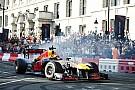 Foto top-tien: Max Verstappen scheurt door de straten van Londen