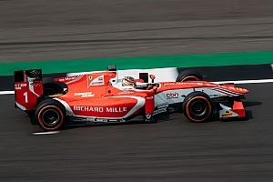 FIA F2 Yarış raporu Silverstone F2: Leclerc hasarlı aracına rağmen kazandı