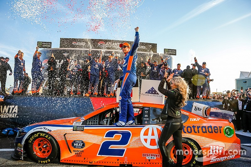 Brad Keselowski outduels Truex for Atlanta Cup win