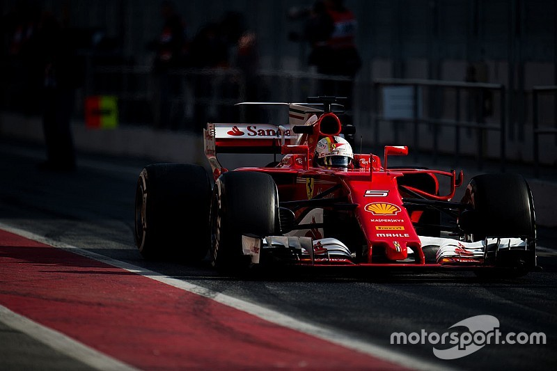 """【F1】ベッテル、最速タイム記録も""""対メルセデス""""には慎重な姿勢"""