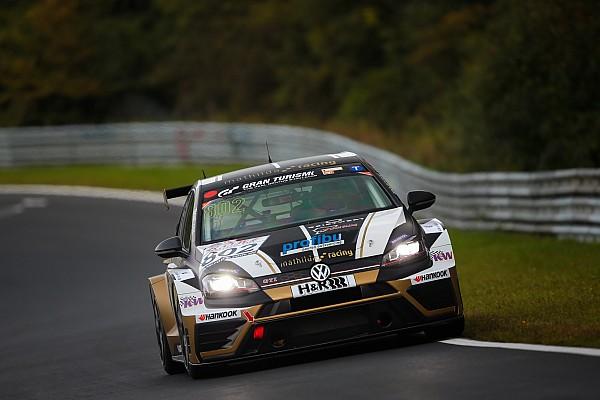 Langstrecke News Langstrecken-Ass Benjamin Leuchter: Nürburgring anstrengender als Dubai