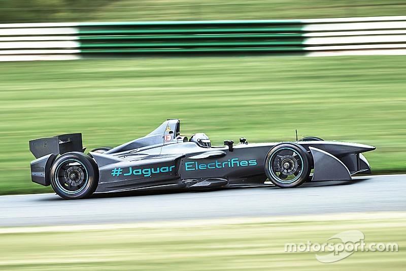 """В Jaguar рассчитывают в """"достойной форме"""" начать тесты Формулы Е"""