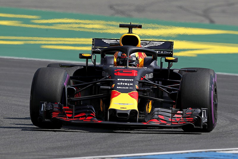 EL1 - Ricciardo d'un rien devant Hamilton