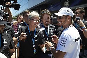 Lewis Hamilton lehet minden idők legjobban fizetett F1-es versenyzője